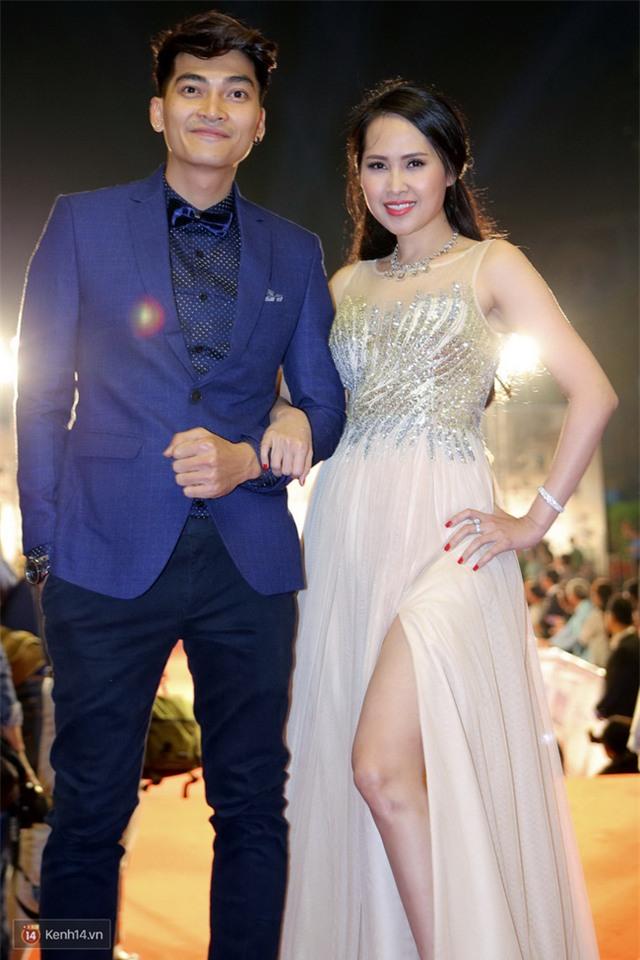 Bế mạc LHP Quốc tế Hà Nội: Hoa hậu Mỹ Linh kín đáo, Ngọc Hân - Nam Em lấp ló vòng 1 gợi cảm - Ảnh 6.