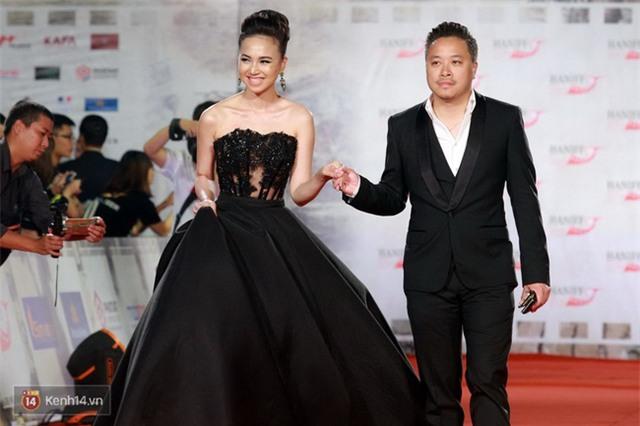 Bế mạc LHP Quốc tế Hà Nội: Hoa hậu Mỹ Linh kín đáo, Ngọc Hân - Nam Em lấp ló vòng 1 gợi cảm - Ảnh 8.