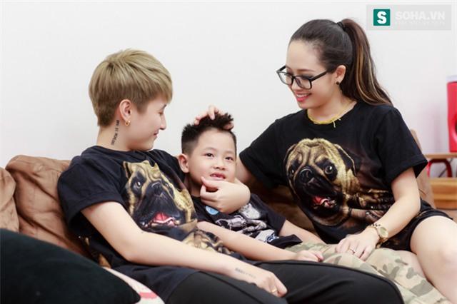 Bố mẹ MC Ngọc Trang sốc khi biết con gái sống cùng chồng chuyển giới - Ảnh 14.