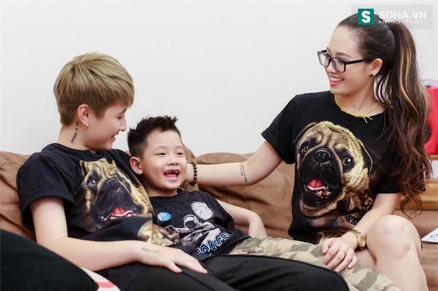 Bố mẹ MC Ngọc Trang sốc khi biết con gái sống cùng chồng chuyển giới - Ảnh 15.