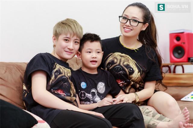 Bố mẹ MC Ngọc Trang sốc khi biết con gái sống cùng chồng chuyển giới - Ảnh 16.