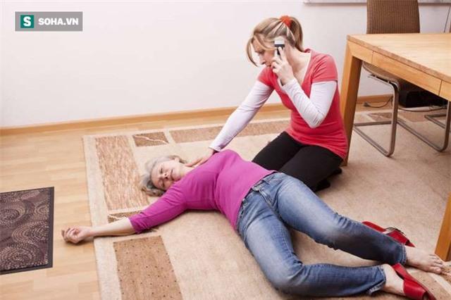 Bác sĩ cảnh báo những dấu hiệu phải đến viện ngay: Chậm 30 phút có thể không kịp cứu! - Ảnh 1.