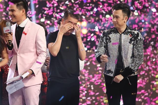 Mr. Đàm bật khóc khi soái ca thợ hồ thắng 500 triệu đồng - Ảnh 3.