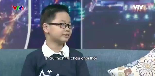 Cậu bé thần đồng 3 tuổi tự học tiếng Anh, 7 tuổi nói trôi chảy và 8 tuổi có trình độ ngang HS cấp 3! - Ảnh 2.
