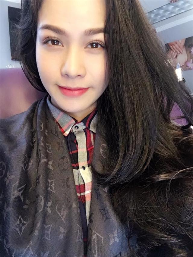 Nhật Kim Anh khoe tóc mới trên trang cá nhân, gương mặt của cô đã thon gọn rất nhiều. Read more at http://bestie.vn/2016/10/4-sao-viet-xuong-doi-nhan-sac-vi-tang-20-30kg-khi-mang-bau#wPGPjE9TOGF04xda.99