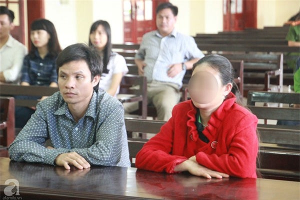 Mới về nhà chồng được 12 ngày, chị dâu nhẫn tâm bán em chồng và cháu sang Trung Quốc lấy tiền tiêu xài