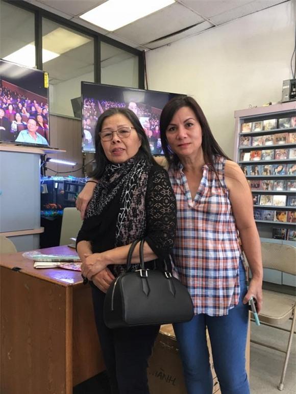 Quang Lê khoe mẹ  0
