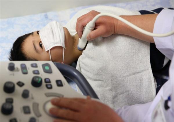 Ngày càng nhiều người bị bệnh ung thư miệng chỉ vì giữ những thói quen này hàng ngày - Ảnh 2.
