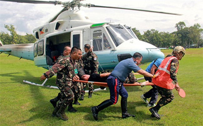 Đoàn xe ông Duterte bị đánh bom, 9 người bị thương