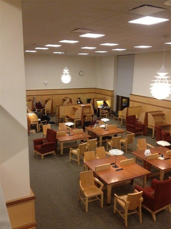 Thực hư Harvard lúc bốn rưỡi sáng