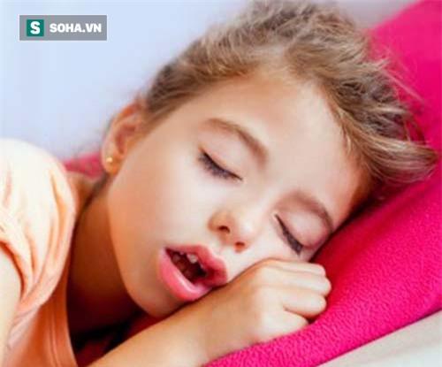 Sai lầm nghiêm trọng khiến trẻ viêm mũi, viêm họng quanh năm nhưng nhiều cha mẹ không để ý - Ảnh 1.