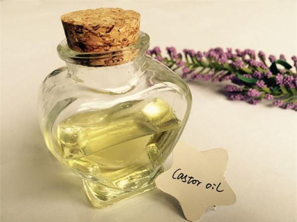 dầu thầu dầu chữa đau lưng