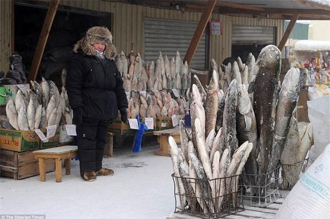Nga: Những đứa trẻ đóng băng khi vẫn phải đi học trong cái lạnh -53 độ C - Ảnh 6.