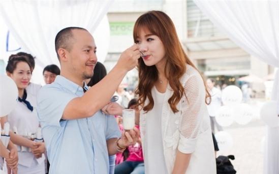 Chuyện tình 9 năm đầy ngọt ngào của Tiến Đạt - Hari Won.