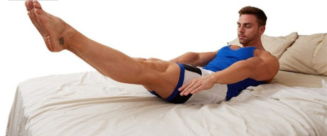 Khi giơ chân cao, cột sống duy trì cân bằng, cơ bắp sẽ tăng cường tính đàn hồi. Ảnh minh họa
