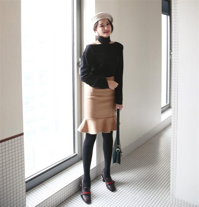 3 dáng chân váy đơn giản đủ sức làm sáng bừng cả mùa lễ hội cuối năm - Ảnh 1.