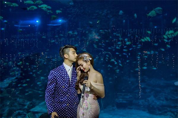 Cô dâu Việt chi gần 2 tỷ đồng bao trọn thủy cung lớn nhất thế giới làm đám cưới - Ảnh 9.