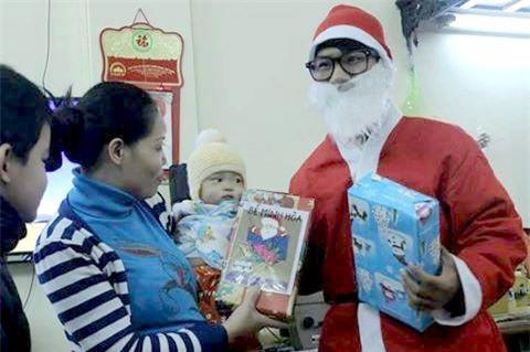 Hốt bạc nhờ dịch vụ Ông già Noel dịp Giáng sinh - Ảnh 1.