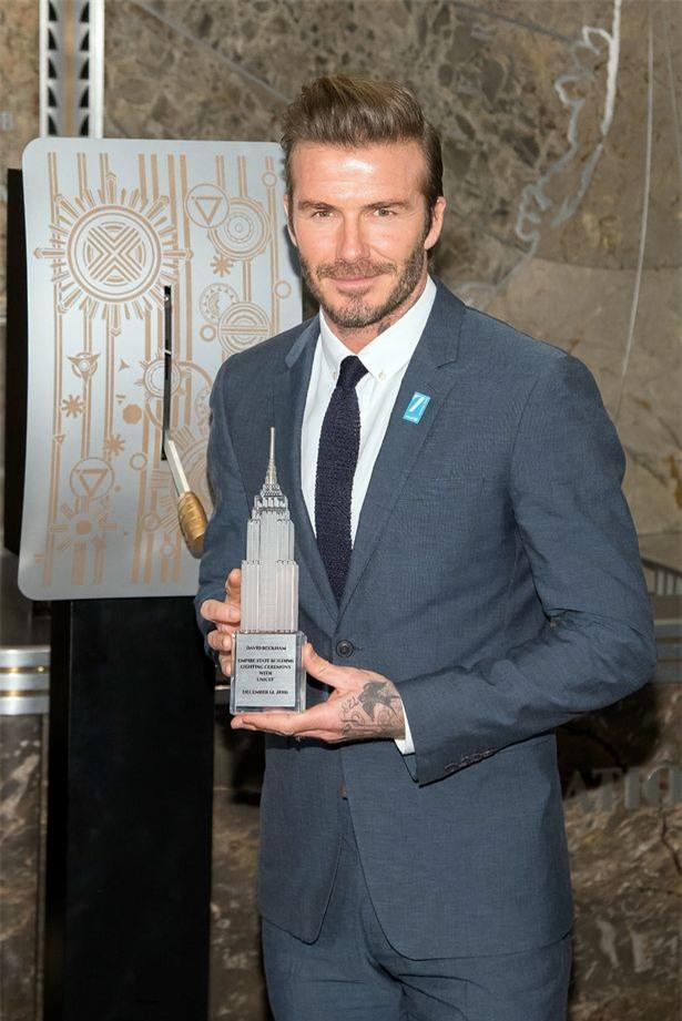 David Beckham trổ tài nấu nướng trước thềm Giáng Sinh - Ảnh 4.