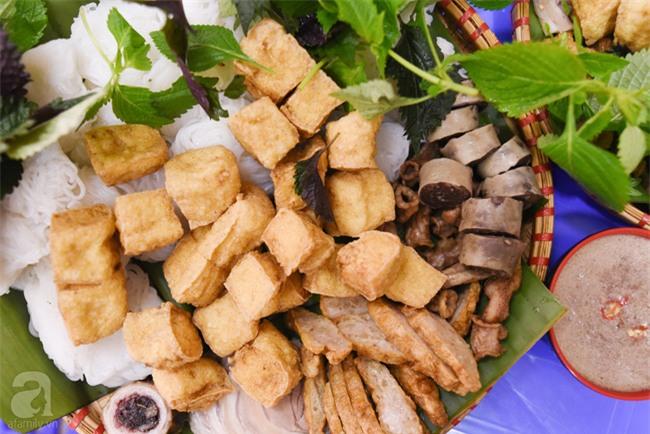 Lạ miệng món bún đậu mắm tôm hành phi trên phố Hoàng Cầu - Ảnh 7.