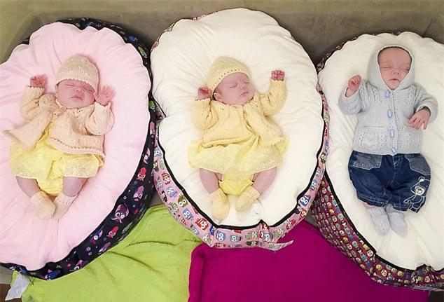 Kinh ngạc chuyện người mẹ sinh 4 con chỉ trong vòng 11 tháng - Ảnh 2.