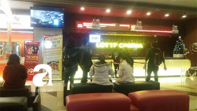 Hà Nội: Xem phim ở rạp Lotte Kangnam bị trần thạch cao rơi trúng, hai người đi cấp cứu - Ảnh 3.