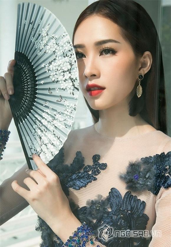 hoa hậu đặng thu thảo diện váy hoa 7