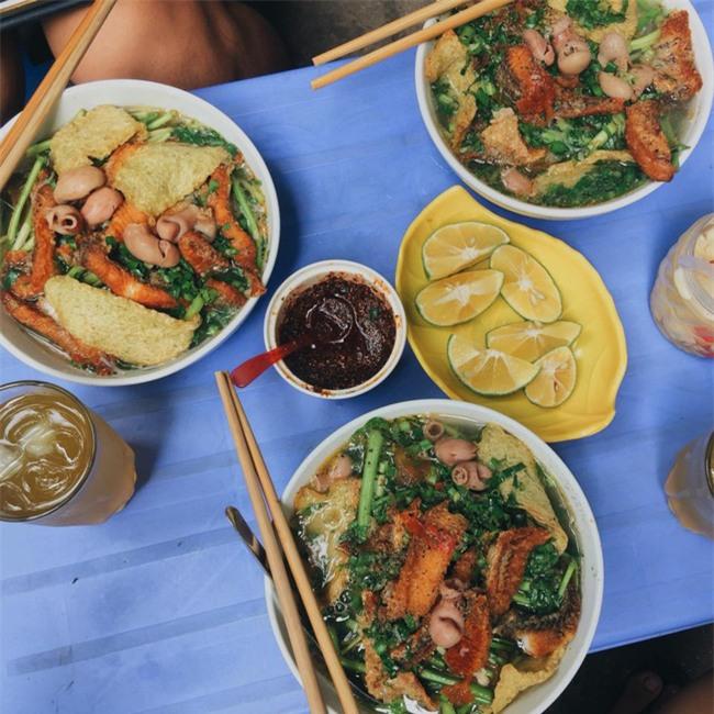 6 quán ăn ngon không chê vào đâu được trên phố Quán Thánh - Ảnh 15.