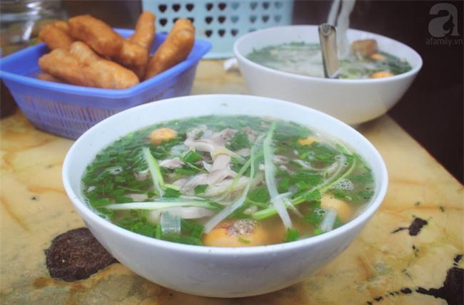 6 quán ăn ngon không chê vào đâu được trên phố Quán Thánh - Ảnh 3.