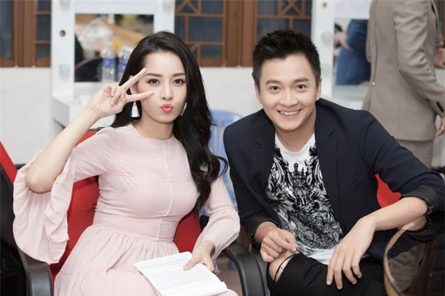 Những sao Việt nhẵn mặt trên sóng truyền hình, mở tivi kênh nào cũng thấy - Ảnh 10.