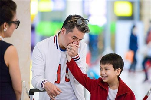 """""""phat sot"""" voi ve dang yeu nhu sao nhi xu han cua con trai nuoi dam vinh hung - 7"""