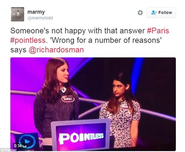 Cô gái nhận ngay cái lườm sắc lẹm khi phát biểu Paris là đất nước trong gameshow truyền hình Anh - Ảnh 3.