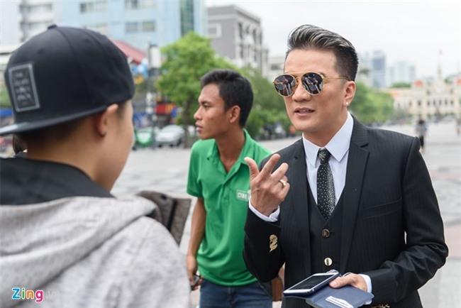 Cuong Do La di sieu xe den quay MV cung Dam Vinh Hung hinh anh 7