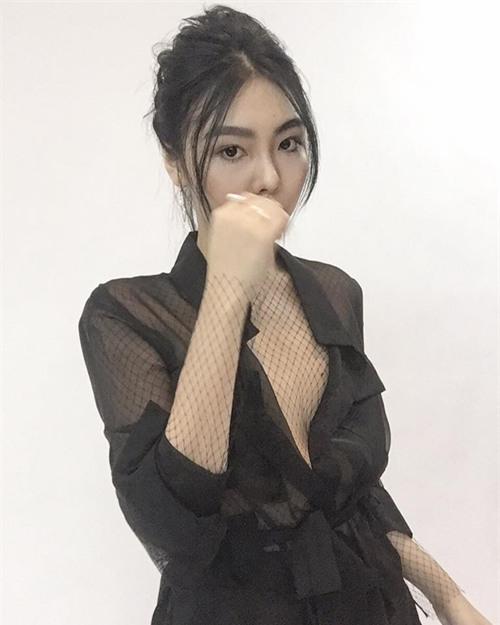 khong phai tham hoa online dau, chiec ao nay dang hot nhat cac shop thoi trang - 12