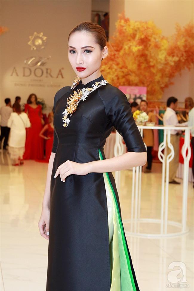 Thanh Hằng gây choáng với bó sen bằng vàng hơn 2 tỷ đồng - Ảnh 7.