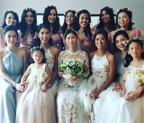Tăng Thanh Hà lộ rõ bụng bầu trong đám cưới thượng lưu của chị chồng - Ảnh 5.
