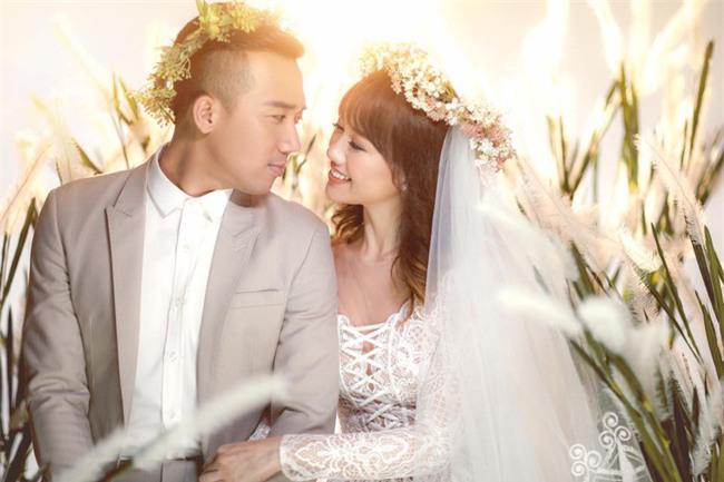 Hé lộ loạt ảnh cưới chưa từng công bố của Trấn Thành - Hari Won - Ảnh 3.