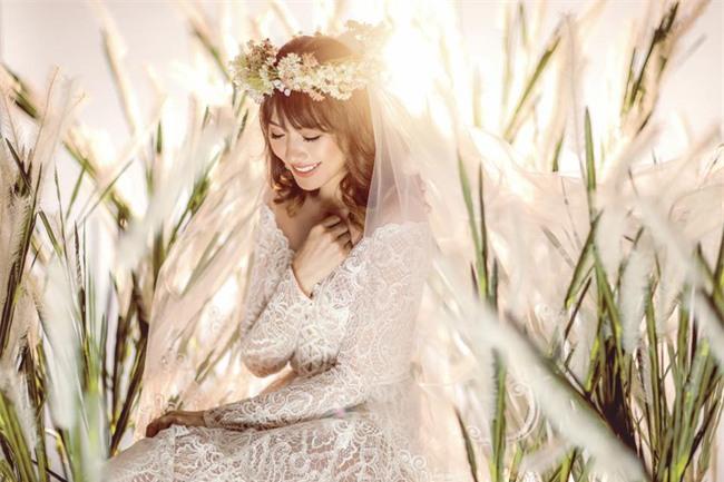 Hé lộ loạt ảnh cưới chưa từng công bố của Trấn Thành - Hari Won - Ảnh 4.