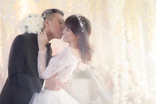 Hé lộ loạt ảnh cưới chưa từng công bố của Trấn Thành - Hari Won - Ảnh 7.