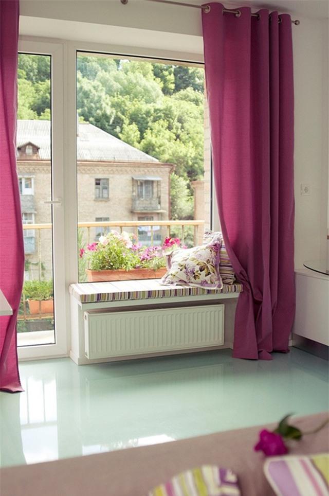 Nếu có cửa sổ, bạn nên mở rộng khung cửa.