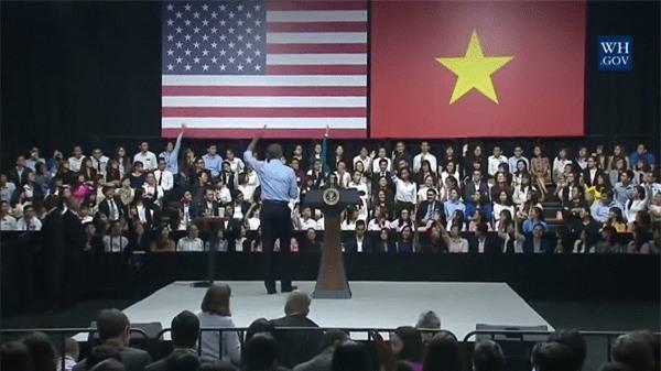 Rapper Suboi xuất hiện trong đoạn video tri ân Tổng thống Barack Obama của Nhà Trắng - Ảnh 2.