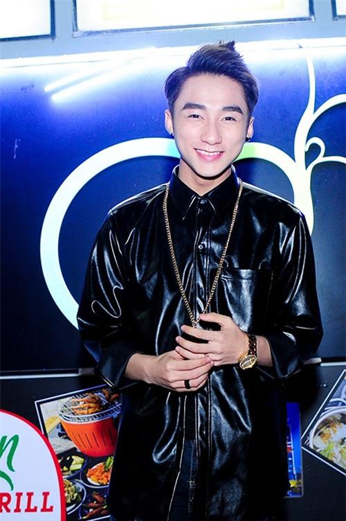 khong phai phu nu, anh chang nay moi la nguoi me son hong nhat viet nam - 8
