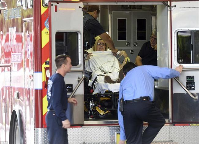 Hiện trường xả súng đẫm máu, hỗn loạn ở sân bay Mỹ khiến ít nhất 5 người thiệt mạng - Ảnh 5.