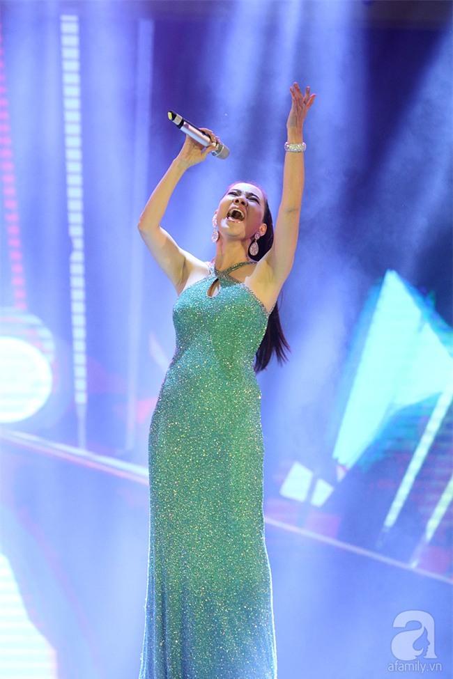 Hoàng Thùy Linh bật khóc khi đoạt giải thưởng âm nhạc đầu tiên trong sự nghiệp - Ảnh 12.