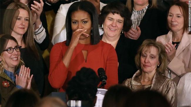 Thông điệp đầy ý nghĩa trong bài phát biểu cuối cùng của bà Michelle Obama trên cương vị Đệ nhất phu nhân Mỹ - Ảnh 2.