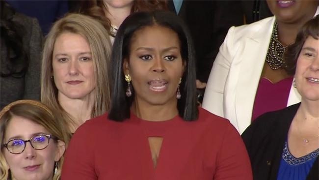 Thông điệp đầy ý nghĩa trong bài phát biểu cuối cùng của bà Michelle Obama trên cương vị Đệ nhất phu nhân Mỹ - Ảnh 3.