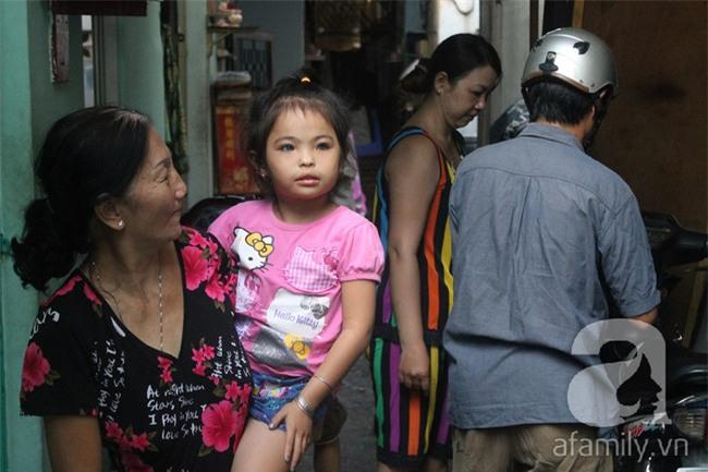 Hai em bé câm điếc có đôi mắt màu xanh bí ẩn ở Sài Gòn đã nghe được những thanh âm đầu tiên - Ảnh 5.