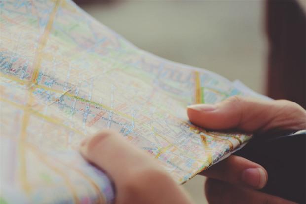 Muốn du lịch giá rẻ thì đừng làm 9 điều này - Ảnh 9.