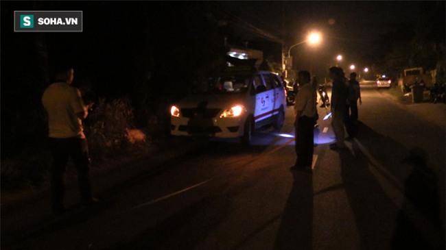 Táo tợn dùng dao khống chế tài xế taxi, cướp tài sản trong đêm - Ảnh 2.