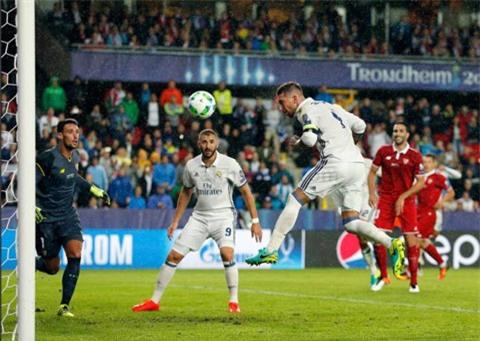 Ramos - chuyên gia ghi bàn bằng đầu của Real
